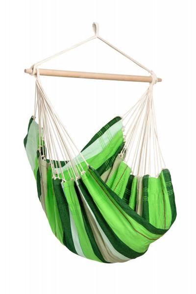 Der farbenfrohe AMAZONAS Hängesessel Brasil wird in Brasilien handgefertigt und garantiert perfekte Entspannung